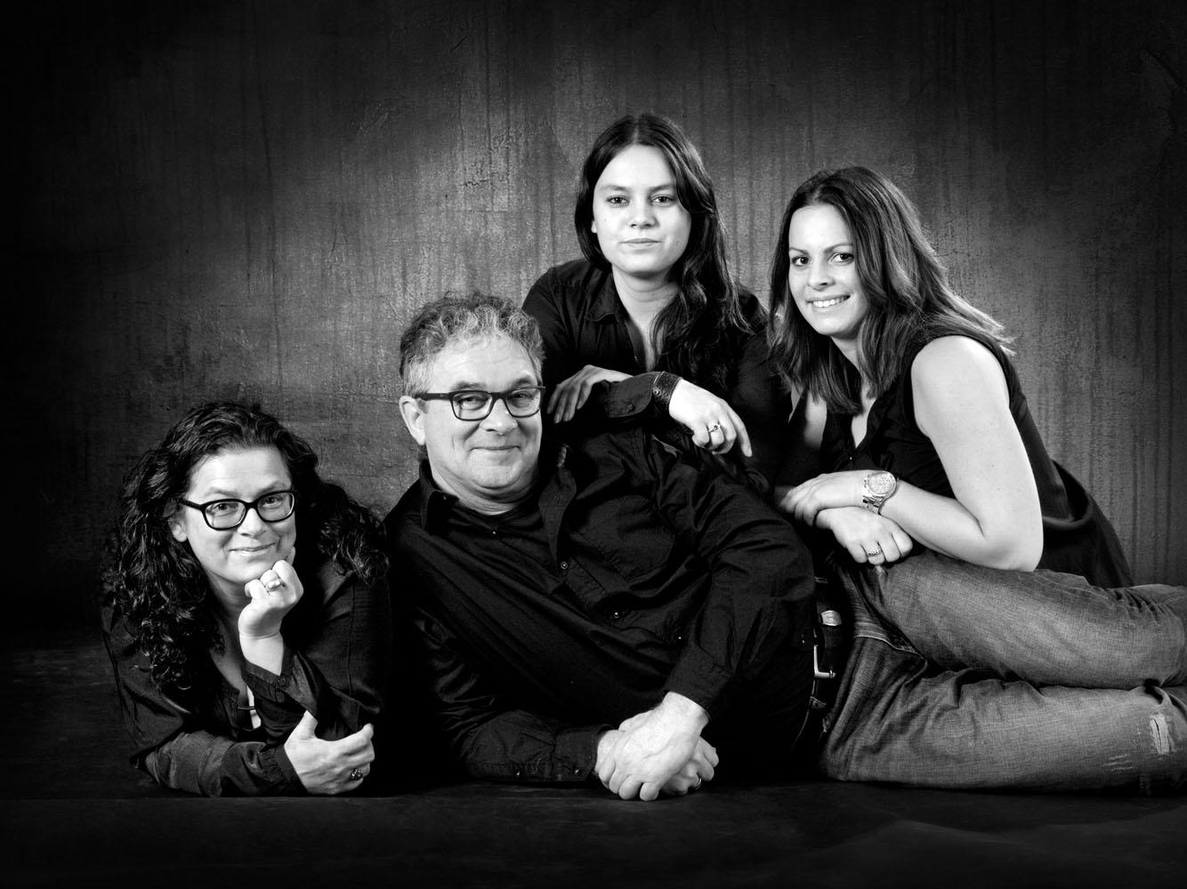Niestadt-fotografie-Schoonhoven-studio-gezins-foto-zwart-wit
