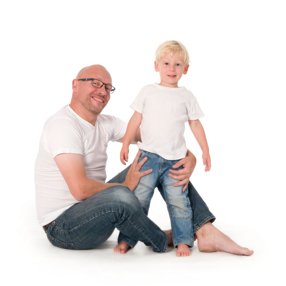 Niestadt-fotografie-Schoonhoven-studio-shoot-vader-en-zoon-stoer-samen