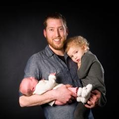 Niestadt-fotografie-Schoonhoven-studio-vader-met-twee-dochters