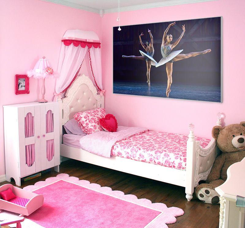 Niestadt-Fotografie-Schoonhoven-Framefoto-print-op-doek-in-frame-op-een-meisjes-tienerkamer